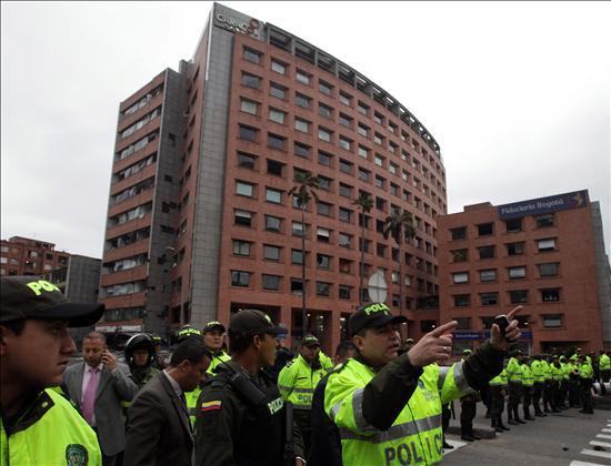La policía detiene a una segunda persona por el atentado con un carro bomba en Bogotá