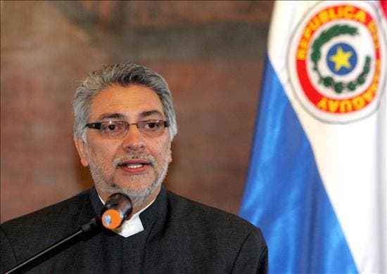 """La mayoría califica de """"regular"""" el Gobierno de Lugo en Paraguay"""