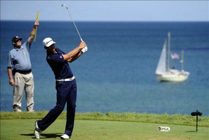 Dustin Johnson, Kaymer y Watson jugarán un desempate por el título del torneo de golf