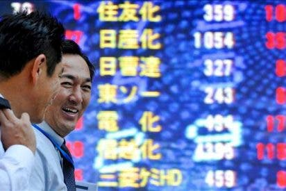 El parón en el crecimiento del PIB desinfla al Nikkei