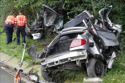 Mueren 10 personas en el fin de semana en la carretera, un tercio respecto a 2009