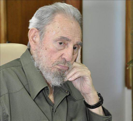 Uribe le dice a Castro que analice los logros de su Gobierno y no las calumnias