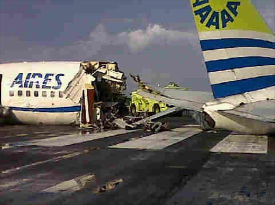 Un muerto y 5 heridos graves al ser alcanzado un avión por un rayo en Colombia