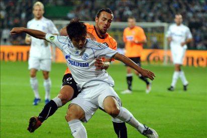 Schalke, sin Raúl, cumplió ante el modesto Aalen y el Bayern aplastó a Winseck