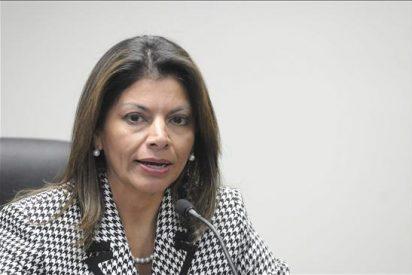 Laura Chinchilla anuncia una reforma fiscal y destaca las acciones de sus primeros cien días
