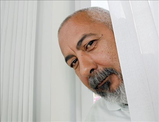 Padura dice que sigue en Cuba por razones personales, literarias y cubanas