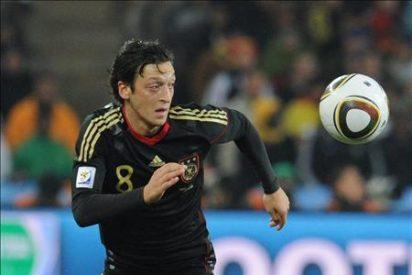 El Real Madrid confirma el fichaje de Özil