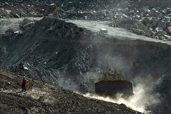 Aseguran que en las próximas horas se podrá tomar contacto con los mineros atrapados