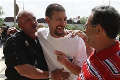 Otros tres presos cubanos llegarán hoy a Madrid junto a los familiares