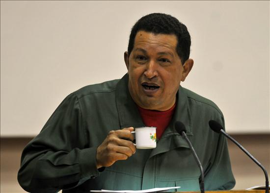 Chávez promulga reforma legal que impide a banqueros ser dueños de medios