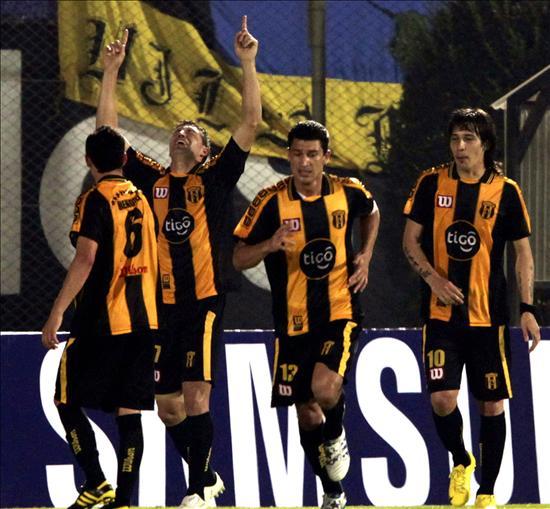 2-0. Un argentino y un brasileño ponen al Guaraní cerca de la segunda fase