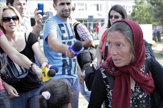 El Gobierno francés se defiende de las críticas y sigue deportando gitanos