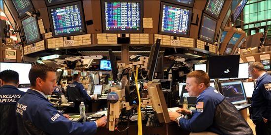 Los temores por la economía y el empleo se avivan en Wall Street