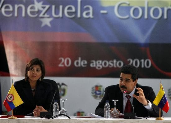 """Maduro y Holguín buscan una relación """"sólida y estable"""" de Venezuela y Colombia"""