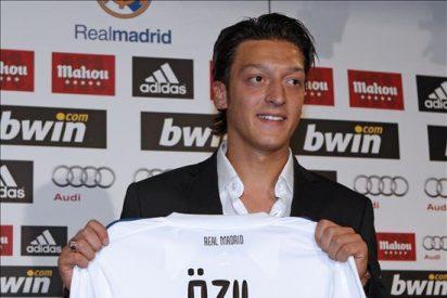Benzemá entra en la convocatoria y Özil se estrena en una lista de Mourinho