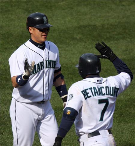 El cubano Betancourt y Bell mostraron poder bateador y los Yanquis su dominio