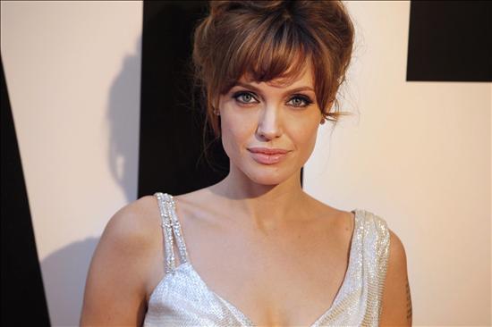 Jolie promete regresar a la ex Yugoslavia para dirigir su primera película