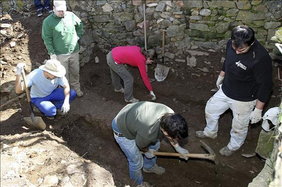 Hoy se exhumará una fosa común en Vilavella con tres guerrilleros de León