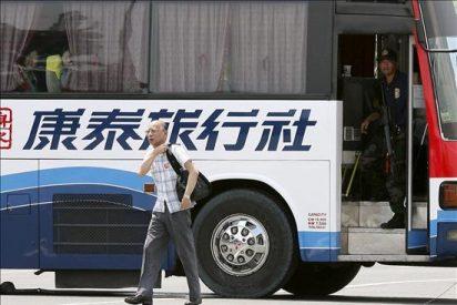El ex policía que secuestró un autobús con más de 25 pasajeros libera a 8 de ellos