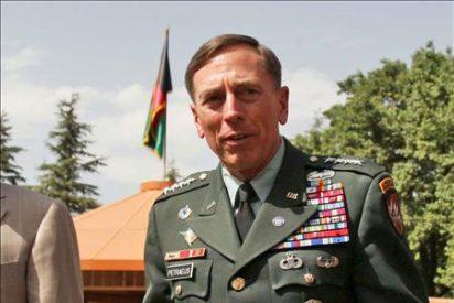 El general Petraeus dice que la OTAN lleva la iniciativa en Afganistán