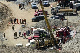 Segunda sonda hace contacto con los mineros atrapados en Chile
