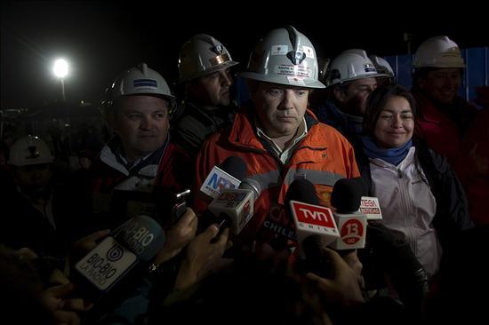 Una tercera sonda se aproxima a los mineros atrapados en el norte de Chile