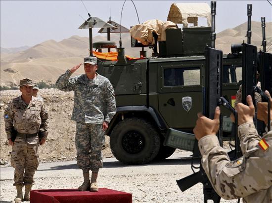 """Los talibanes contestan a Petraeus que su estrategia es un """"fracaso"""""""