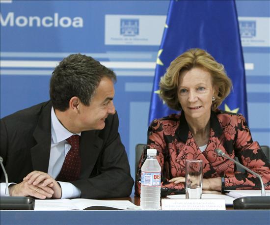 Siete ministros asisten mañana a la reunión económica que preside Zapatero