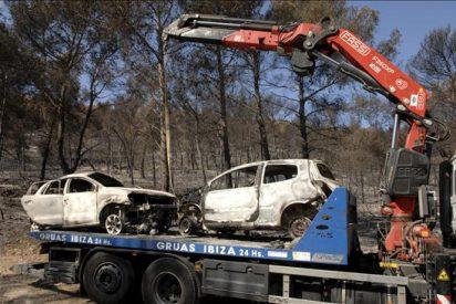 Un centenar de personas y siete aeronaves trabajan hoy en el incendio de Benirràs