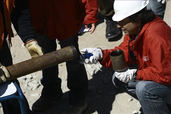 Preparan a los mineros para la espera mientras es inminente el inicio del rescate