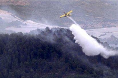 Continúan las tareas de extinción del incendio forestal de Callosa d'Ensarrià