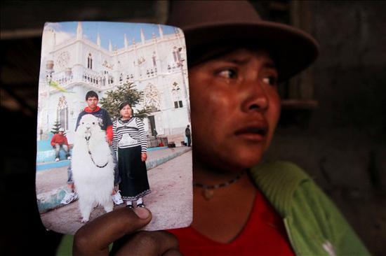 El canciller de Ecuador confirma que el único superviviente de la matanza llegó a su país