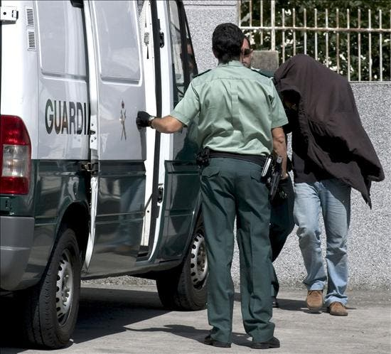 Ingresa en prisión el profesor que supuestamente mató a su esposa en Lugo