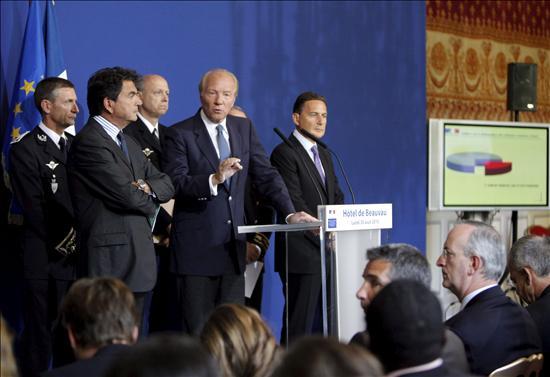 """El Gobierno francés plantea ampliar las expulsiones a los casos de robo y """"mendicidad agresiva"""""""