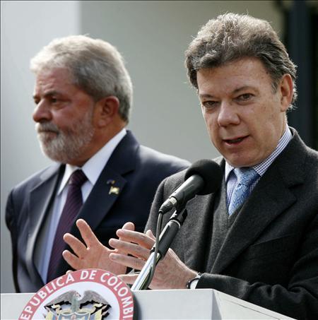 Santos visita Brasil en su primer viaje exterior para reforzar los lazos comerciales