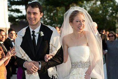 El traje de boda de la hija de los Clinton parecía la tarta nupcial