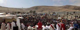 Fervor religioso en torno a la búsqueda de los mineros chilenos