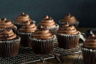 Cupcakes de chocolate sin azúcar añadido
