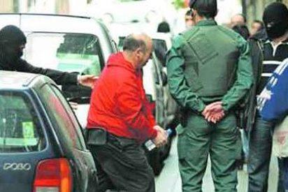 Familiares de etarras intentan evitar las deserciones entre los terroristas presos