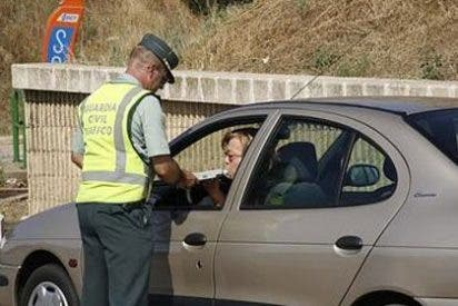 ¿Afecta a la seguridad vial la 'huelga de bolis caídos' de la Guardia Civil y que pongan menos multas?