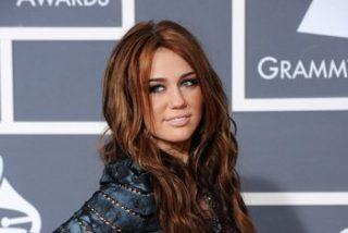Miley Cyrus pasará por el quirófano para aumentar sus pechos