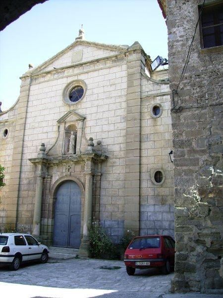 Tres ladrones, detenidos al entrar a robar una iglesia en Lleida