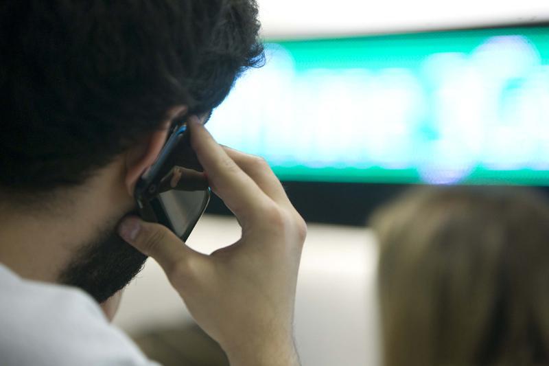 Aconsejan estudiar las tarifas de roaming antes de viajar