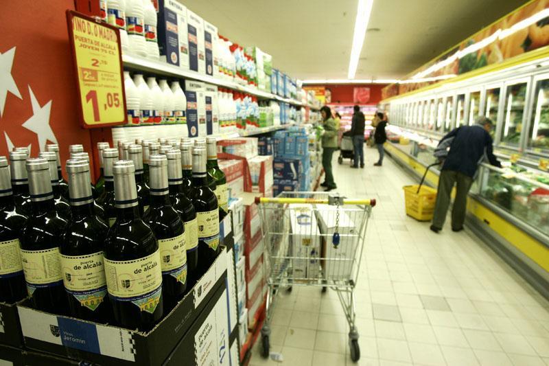 Hipermercados y supermercados operan sin problemas de abastecimiento y con afluencia de público habitual
