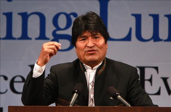 Morales acepta comisión de la FIFA para tratar la crisis del fútbol boliviano