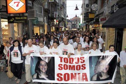 Tres mil personas participan en una concentración vecinal por la desaparición de Sonia Iglesias
