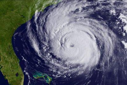 """El poderoso huracán """"Earl"""" se aproxima a la costa de Carolina del Norte"""