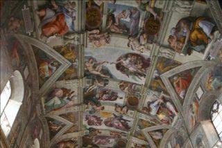 El director de los Museos Vaticanos preocupado por la conservación de la Capilla Sixtina