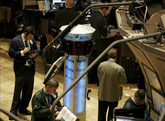 Wall Street acaba con una racha de tres semanas de descensos
