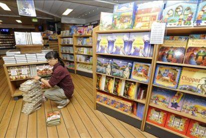 La mayor librería flotante invita a conocer otras culturas en Las Palmas